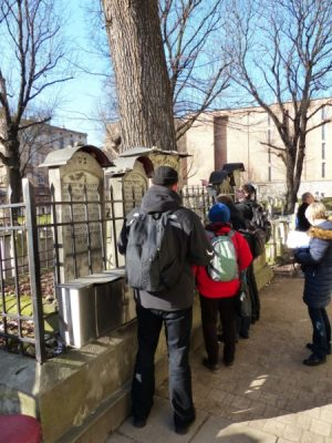 Wyjazd KNDB Kraków 2015 - Synagoga Remuh, grób Mojżesza ben Isserlesa, Fot. © Anna Jagusiak