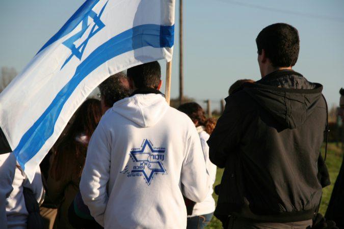 Wyjazd KNSB Lublin 2013 - Majdanek, nazistowski obóz koncentracyjny, grupa młodzieży z Izraela, Fot. © ks. Piotr Mazurek